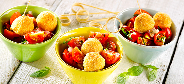 gefro-party-rezepte-mozzarellakugeln-auf-tomatensalat